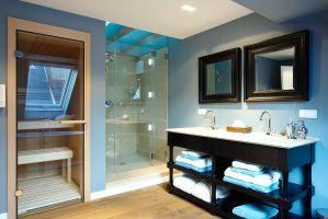 H?rlgasse, Dachbodenausbau, Bad, Dusche, Sauna, Handwaschbecken, Spiegel, Parkettboden, Fliesen